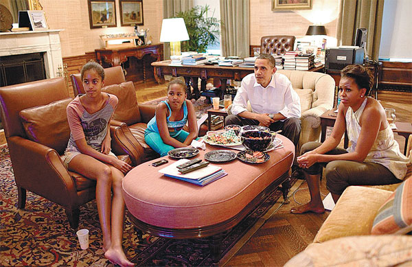 Us President Barack Obama First Lady Michelle And Children