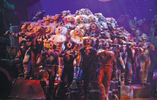 The Broadway Musical Cats Performed In Mandarin Scores Top