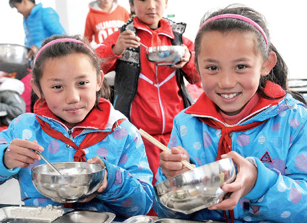 Sisters Tsering Yangzom And Tsering Droma Enjoy A Free