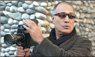 abbas kiarostami gives instructions during a course with students in 2007 in nice france eric. Black Bedroom Furniture Sets. Home Design Ideas