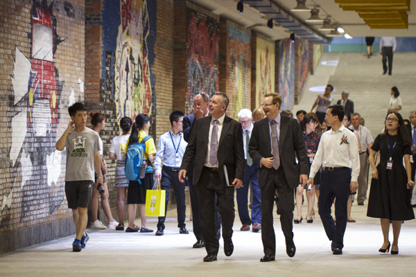 Foreign Guests Visit Xi An Jiaotong Liverpool University