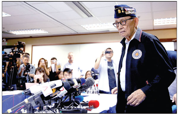 former philippine president fidel ramos speaks to journalists on friday during a trip to hong