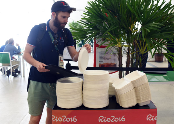 Chinamade Disposable Tableware Is Supplied To The Rio