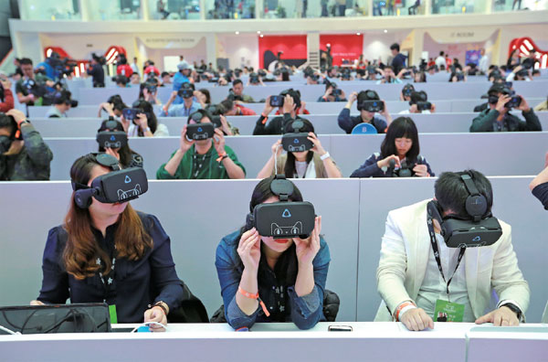 D Printing Exhibition Hong Kong : People wearing vr headsets are invited to join a
