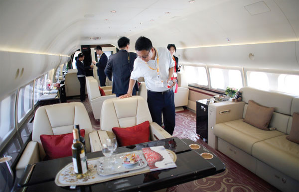 Guests Look At The Inside Of A Boeing Business Jet Bbj 777