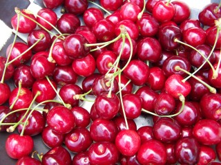 Cut belly fat with tart cherries