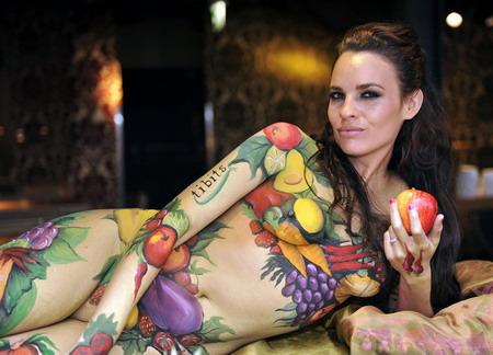 Body-painted model promotes vegetarian week