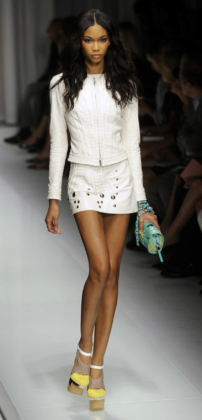 Milan Fashion Week: Versace Spring/Summer 2010 women's collection