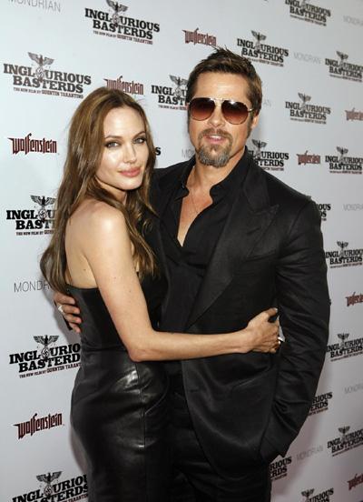 Snakes star in Brad Pitt, Angelina Jolie jewelry line