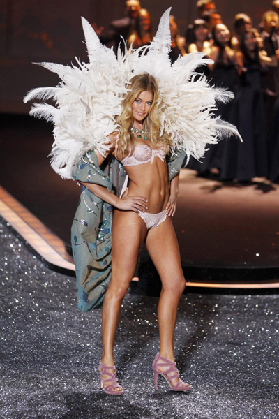 2009 Victoria's Secret Fashion Show
