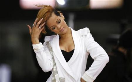 rihanna haircuts 2009. Rihanna#39;s hairstyles