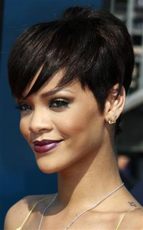 Rihanna Hairstyles Image Gallery, Long Hairstyle 2011, Hairstyle 2011, New Long Hairstyle 2011, Celebrity Long Hairstyles 2084