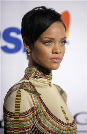 Rihanna Hairstyles Image Gallery, Long Hairstyle 2011, Hairstyle 2011, New Long Hairstyle 2011, Celebrity Long Hairstyles 2107