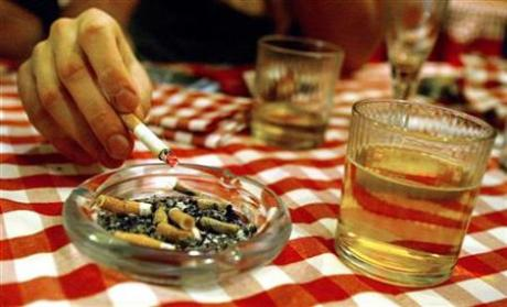 Smoking, drinking up risks of gut, throat cancers