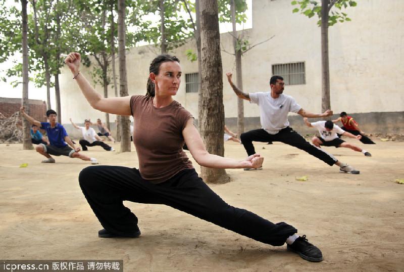 35476c199 UK woman fulfills tai chi China dream[1]|chinadaily.com.cn