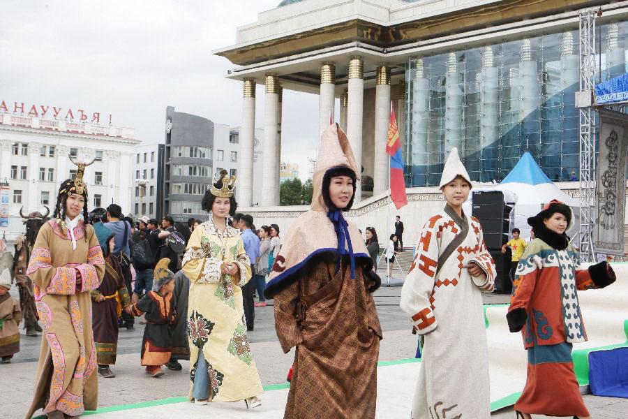 Ulan Hot China  city photos : Mongolian Clothing Festival held in Ulan Bator[2]|chinadaily.com.cn