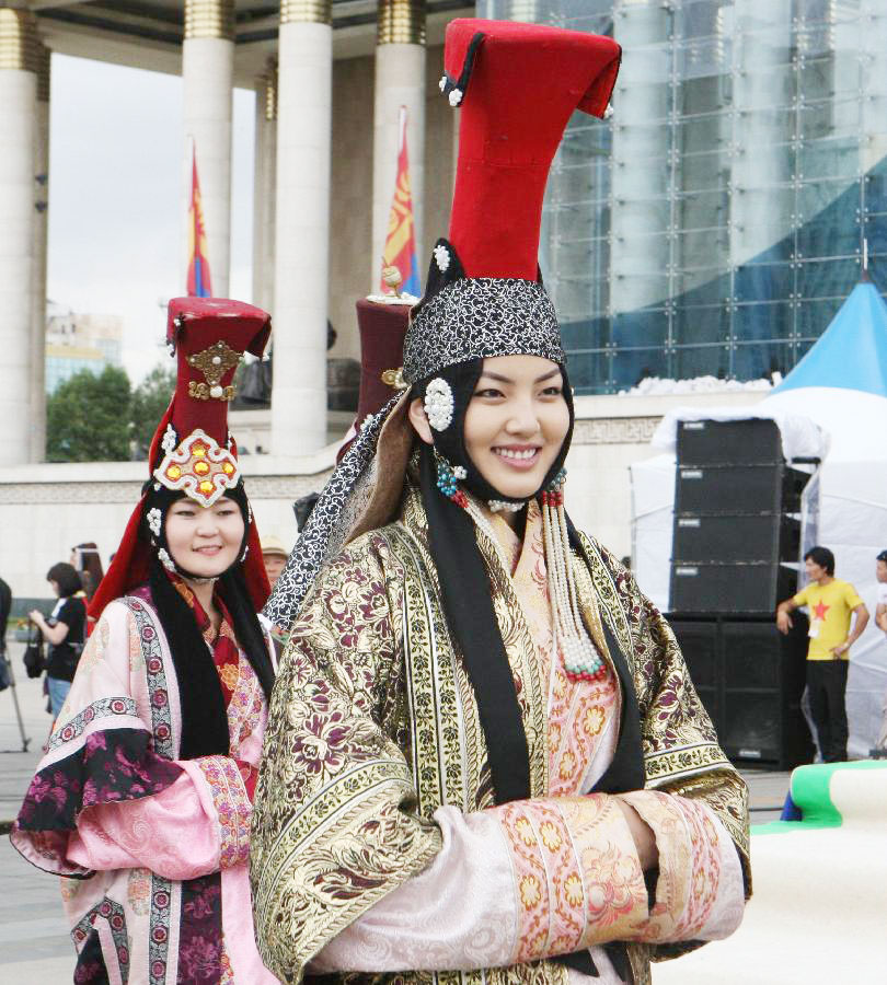 Ulan Hot China  city photo : Mongolian Clothing Festival held in Ulan Bator[7]|chinadaily.com.cn