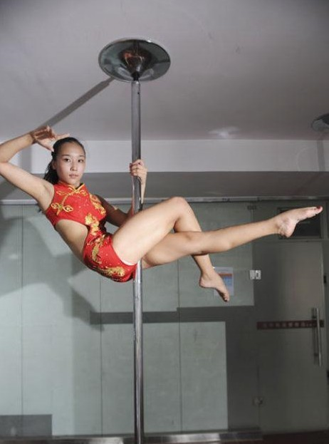 pole dancer 8