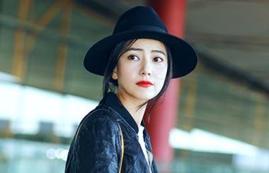 Yuanyuan Gao Nude Photos 14