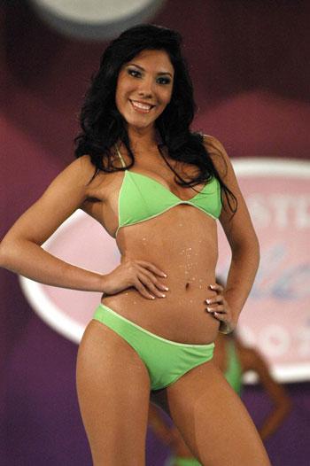 Nude Salvadorian 36
