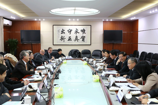 Li wei meets with president of european union chamber of for Chambre commerce chine