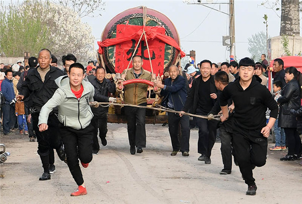 War drum activity held in Xiangfen