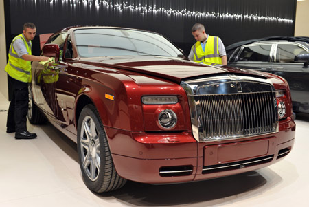 rolls royce plans to raise chinese auto sales figures. Black Bedroom Furniture Sets. Home Design Ideas
