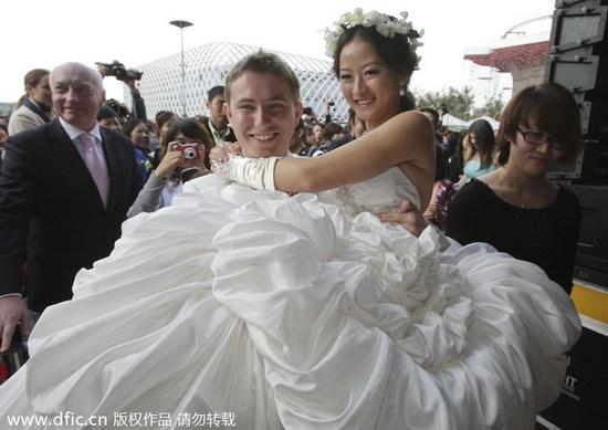 asian singles in sebastopol The population in sebastopol is 7,678  but are single race in sebastopol - 817% are white - 14% are black - 12% are asian - 05% are native american - 00% .