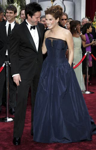 Actors Keanu Reeves L And Sandra Bullock Talk On The Red Carpet At 78th Annual Academy Awards Kodak Theatre In Hollywood California March 5