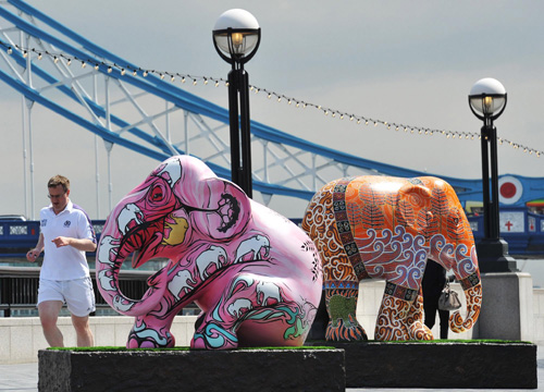 Colorful elephants on London St