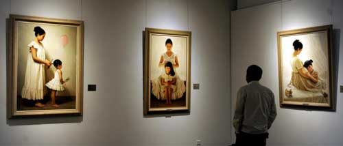 Mother's Day marked with painting show