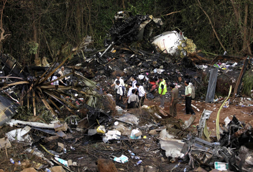 Plane Crash Photos Bodies Bodies of plane crash