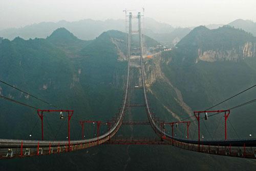 http://www.chinadaily.com.cn/photo/images/attachement/jpg/site1/20101021/0013729e48090e29e3f304.jpg
