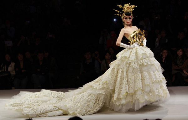 Fashion Show Dress Wedding Wedding dress show at China