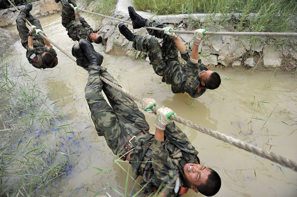 grueling training makes soldiers strong 1