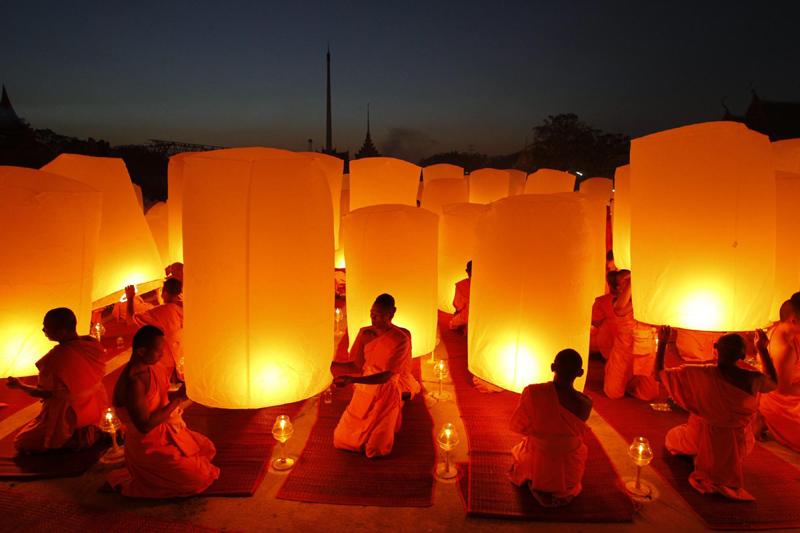 Buddhist New Year Buddhist monks pray for new