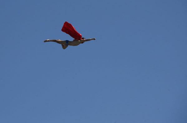 летит супермен фото