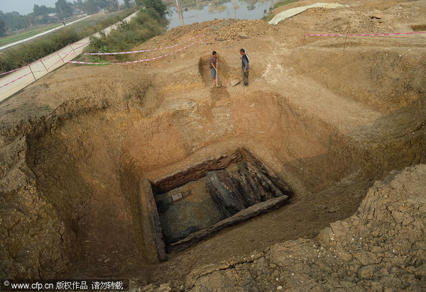 Rare wares from Han Dynasty grave