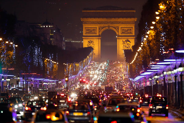 Christmas Lights In Paris.Christmas Lights Sparkle In Paris 1 Chinadaily Com Cn
