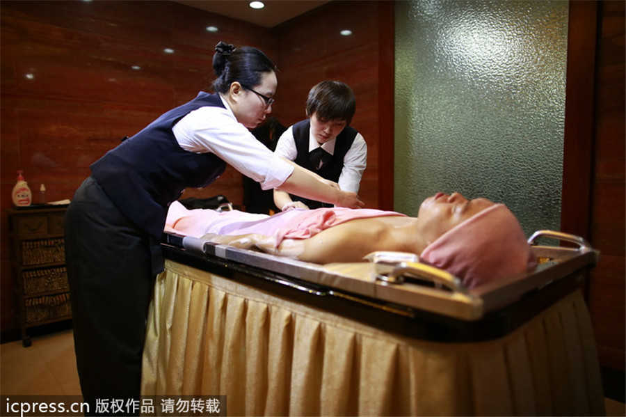 Shanghai provides body cleansing service for deceased 2 for Cleaning out house after death