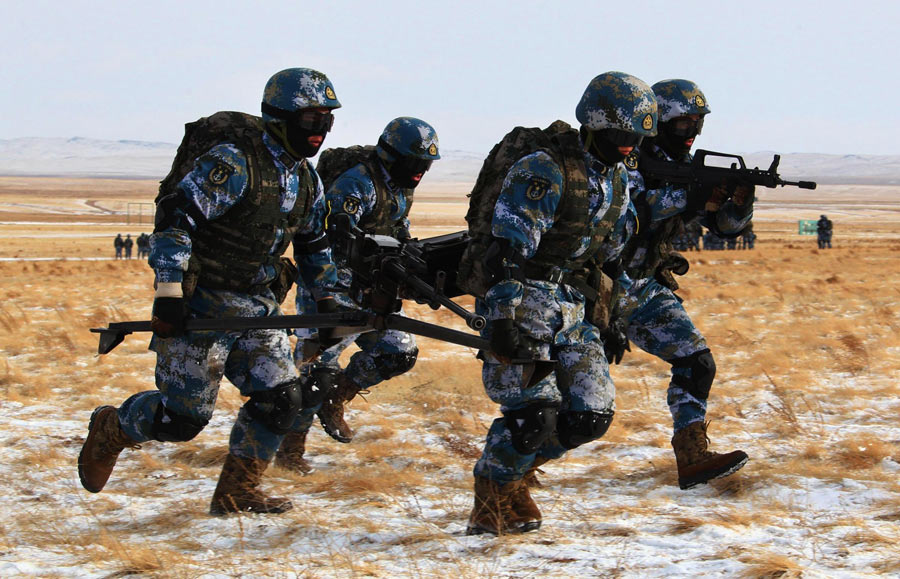 Chinese marines train in deep freeze[2]- Chinadaily.com.cn