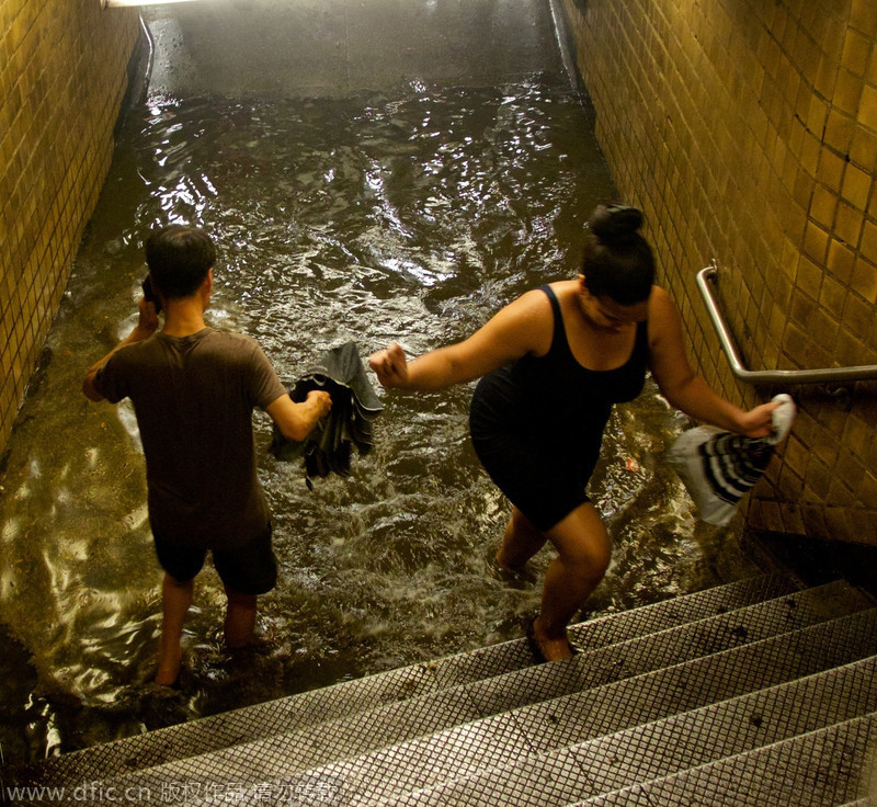 Heavy Rain Floods Swamp Nyc Metro Stations 1 Chinadaily