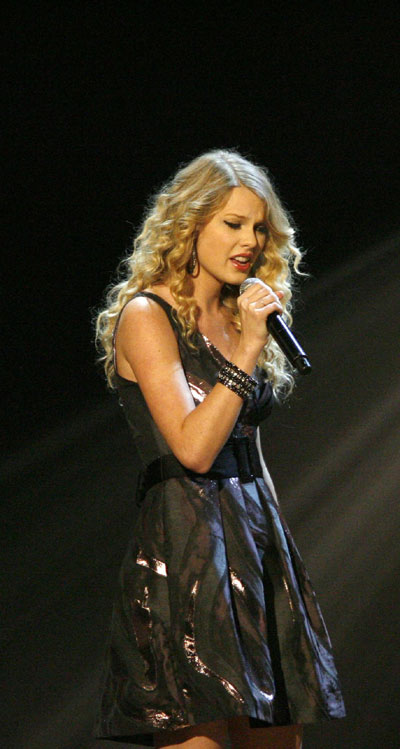 Taylor Swift Concert Pics. Taylor Swift performs at