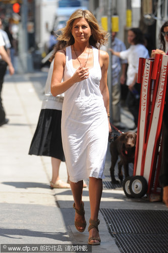 Jennifer Aniston on location for