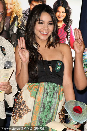 Vanessa become honorary Girl Scout at special Bandslam screening