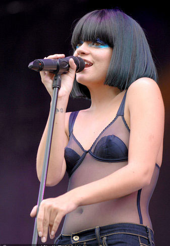Lily Allen,Taylor Swift perform at V Festival