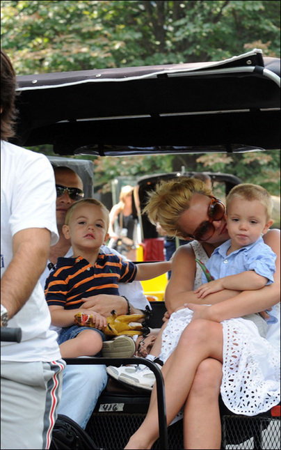 Britney Spears and her two sons to enjoy time