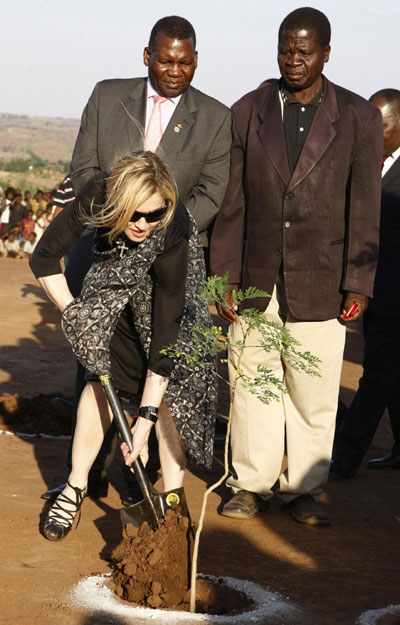 Madonna attends school brick-laying ceremony in Malawi