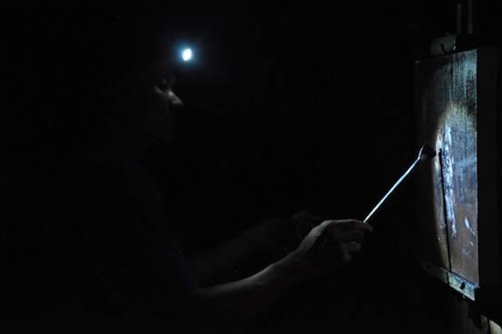 画了十年最偏僻的苗寨,他用艺术记录人性的光