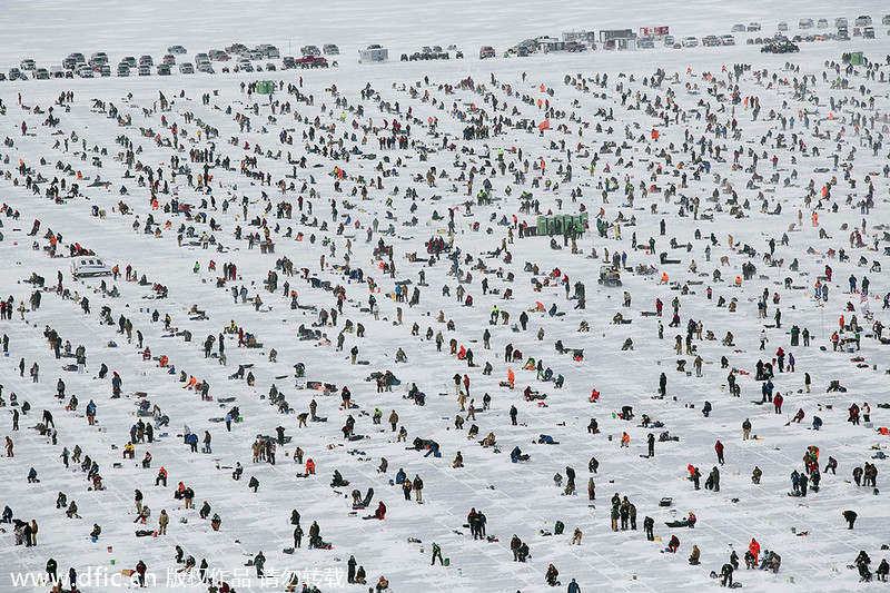 World 39 s biggest ice fishing contest in minnesota 1 for Ice fishing extravaganza